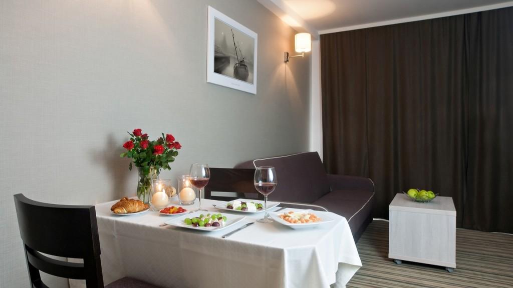 Apartamenty - romantyczna kolacja